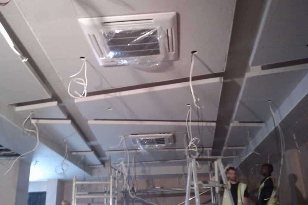 suspended ceiling installation and fitting. Black Bedroom Furniture Sets. Home Design Ideas